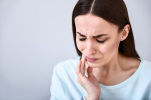 dental pain woman jaw