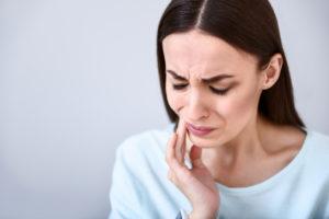 dental pain woman jaw